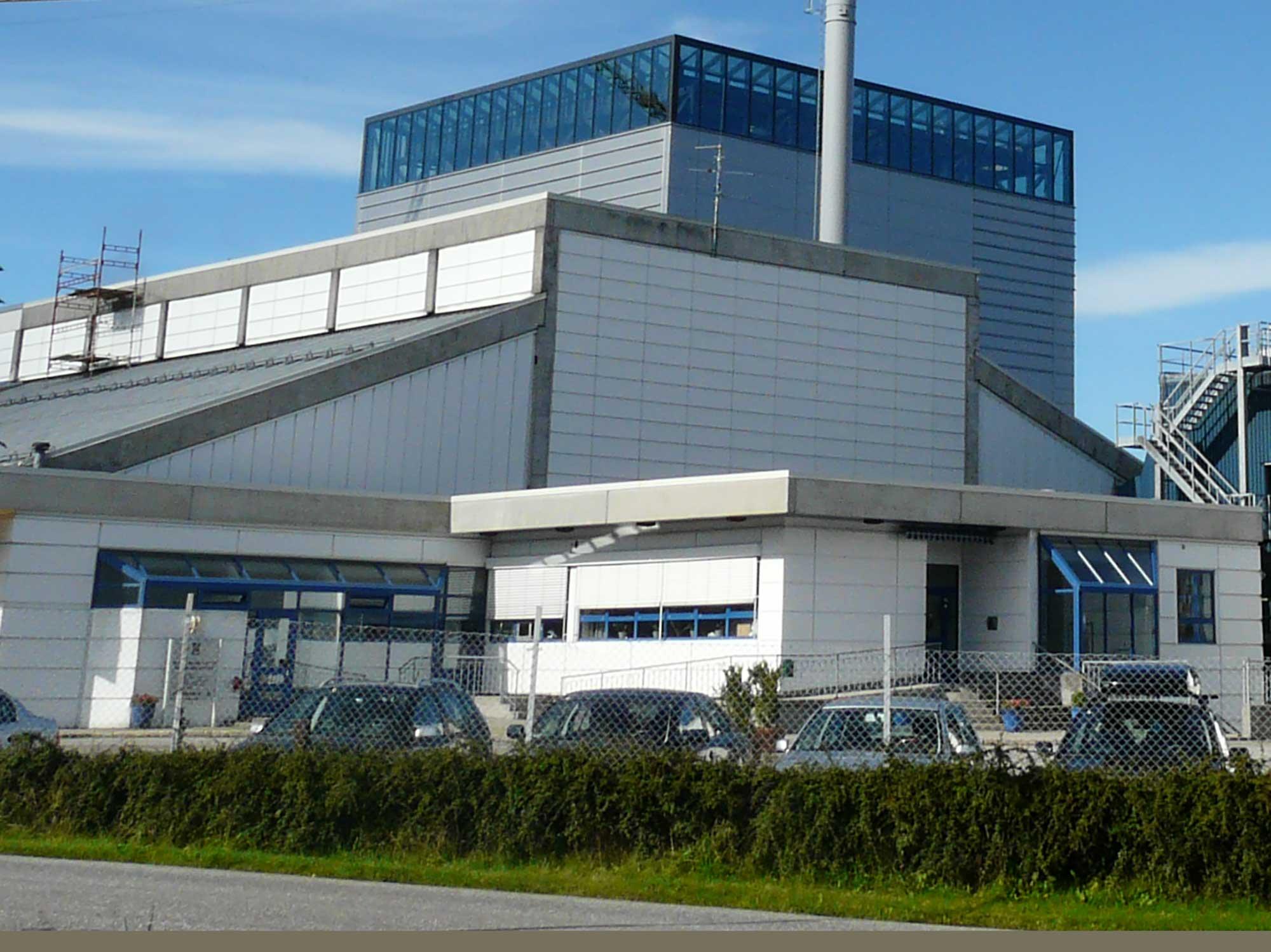 Tidlig i 1980-årene inngikk Tafjord Kraftselskap og Ålesund kommune samarbeidsavtale om bygging og drift av et forbrenningsanlegg for avfall, med produksjon av fjernvarme. Ålesund Forbrenningsanlegg stod klart i 1987.
