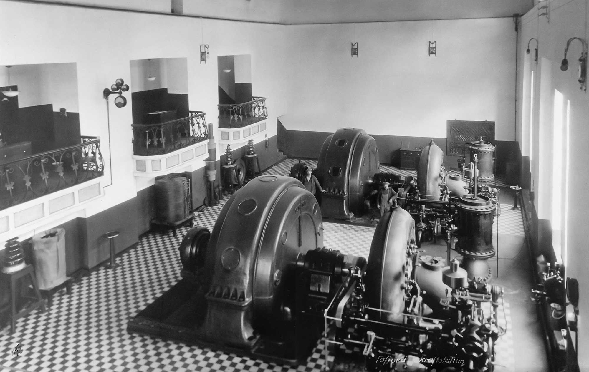 Tafjord Kraftproduksjons første elvekraftverk ble satt i drift i 2002, og representerte noe nytt for den erfarne vannkraftprodusenten. Dette var produksjon uten magasiner etter en modell som ga rom for større lokalt engasjement og medeierskap.